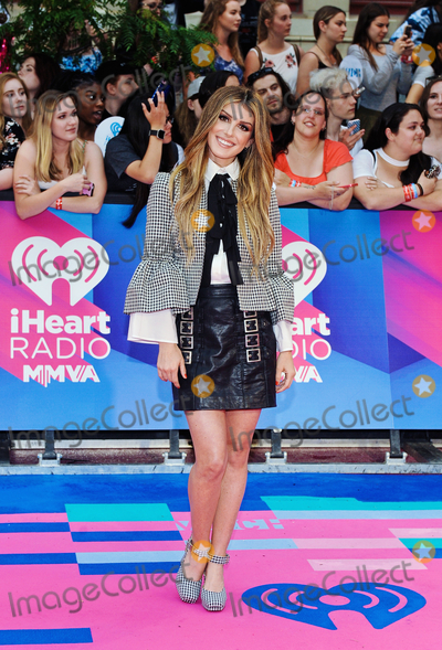 Shenae Grimes-Beech Photos - 18 June 2017 - Toronto Ontario Canada  Shenae Grimes-Beech arrives on the pink carpet at the 2017 iHeartRadio MuchMusic Video Awards at MuchMusic HQ Photo Credit Brent PerniacAdMedia
