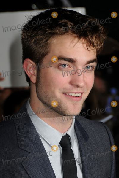 Robert Pattinson Photo - The Twilight Saga Breaking Dawn Part 1 Los Angeles Premiere