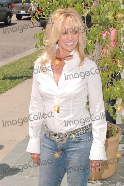 Susan Anton,Tricia Leigh Fisher,Connie Stevens,Joely Fisher Photo - Nanas Garden Opening