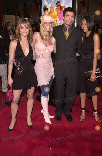 """Pictures From """"Crossroads"""" Premiere"""