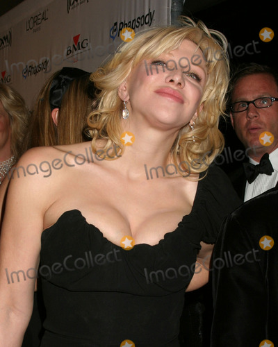 Courtney Love Photo - Courtney LoveClive Davis Annual Pre-Grammy PartyBeverly Hilton HotelBeverly Hills CAFebruary 7 2006