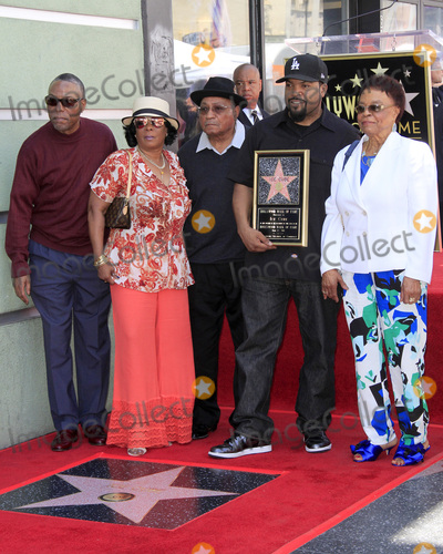 Photos From Ice Cube Star Ceremony
