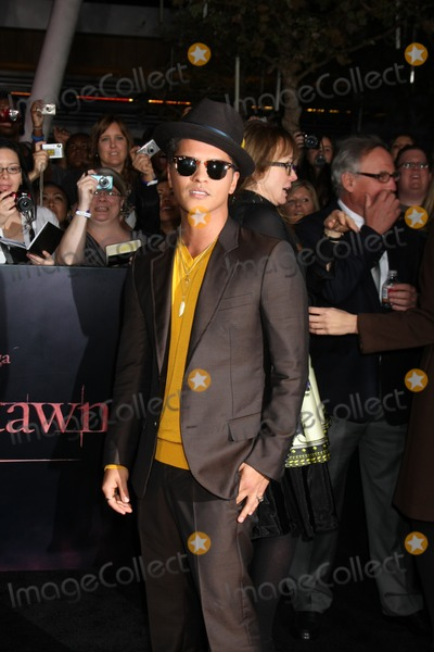 Bruno Mars Photo - Twilight Breaking Dawn Part 1 World Premiere