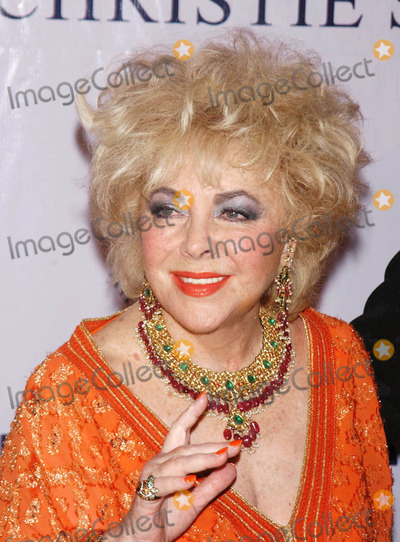 Elizabeth Taylor Photo - Jewelry Benefit SMX 092602WW - Archival Pictures -  Star Max  - 113910