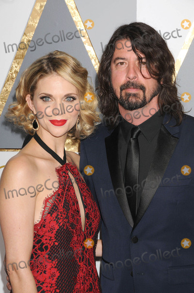 Dave Grohl Photo - Photo by KGC-136-JRstarmaxinccomSTAR MAXCopyright 2016ALL RIGHTS RESERVEDTelephoneFax (212) 995-119622816Dave Grohl at the 88th Annual Academy Awards (Oscars)(Hollywood CA USA)