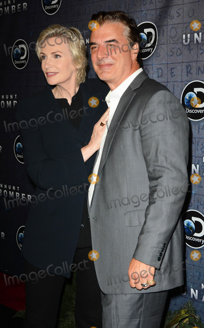 Photo - Photo by Patricia SchleinstarmaxinccomSTAR MAXCopyright 2017ALL RIGHTS RESERVEDTelephoneFax (212) 995-119671917Jane Lynch and Chris Noth at the premiere of Discoverys Manhunt Unabomber in New York City(NYC)