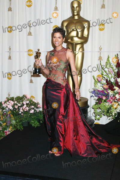 Halle Berry Photo - Photo by Russ EinhornSTAR MAX Inc - copyright 200232402Halle Berry in the press room at The Oscars ( The Kodak Theater Hollywood California )
