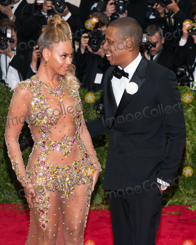 Beyonce,Jay-Z Photos - Photo by ESBPstarmaxinccomSTAR MAX2015ALL RIGHTS RESERVEDTelephoneFax (212) 995-11965415Beyonce Kowles and Jay- Z at the 2015 Costume Institute Benefit Gala - China Through The Looking Glass(Metropolitan Museum of Art NYC)
