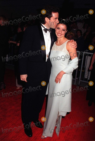 Jerry Seinfeld Photo - 22FEB97  Actor JERRY SEINFELD  girlfriend SHOSANNA LONSTEINat the Screen Actors Guild Awards in Los AngelesPix PAUL SMITH