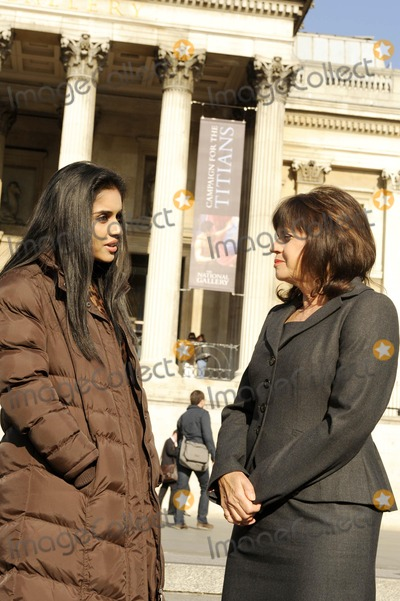 Asin Photo - London UK  Bollywood star Asin Thottumkal and Culture Minister Barbara Follett  at a photocall to publicize a new era of UK and Indian film collaboration at  Trafalgar Square 22nd October 2008Ali KadinskyLandmark Media