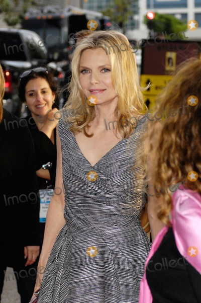 Michelle Pfeiffer Photo - Laff Presents People Like Us