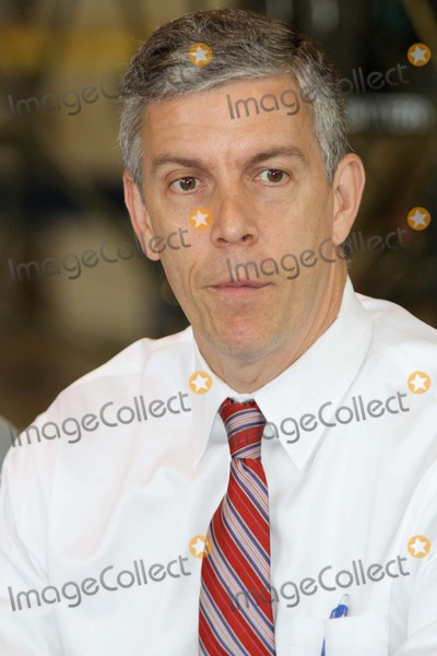 Queen Photo - US Education Secretary Arne Duncan