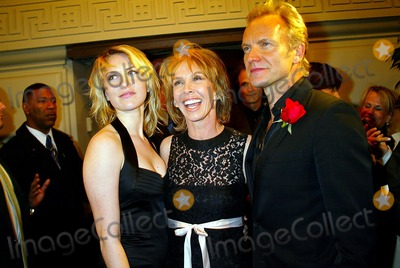 Sting Photo - Singin in the Rain Forest the 12th Carnegie Hall Benefit Concert in Support of the Rainforest Foundation (after-party) the Pierre Hotel  New York City 04-21-2004 Photo Sonia Moskowitz Globe Photosinc 2004 Sting and Trudie Styler with Daughter