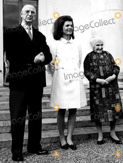 Jacqueline Kennedy Onassis Photo - Jacqueline Kennedy Onassis Pat SweeneyGlobe Photos Inc Jacquelinekennedyonassisobit