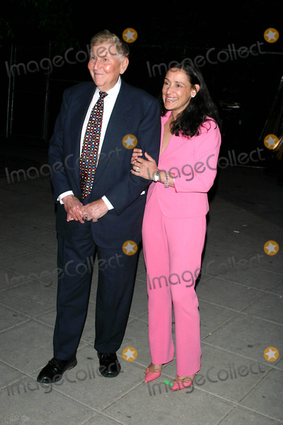 Tom Brokaw,Supremes,Sumner Redstone Photo - Archival Pictures - Globe Photos - 60812