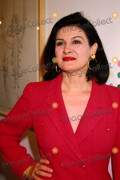 Paloma Picasso Photo - Cn 021245 Paloma Picasso Art 96 the London Contemporary Art Fair Photo by Dave Benett-Globe Photos-getty Images