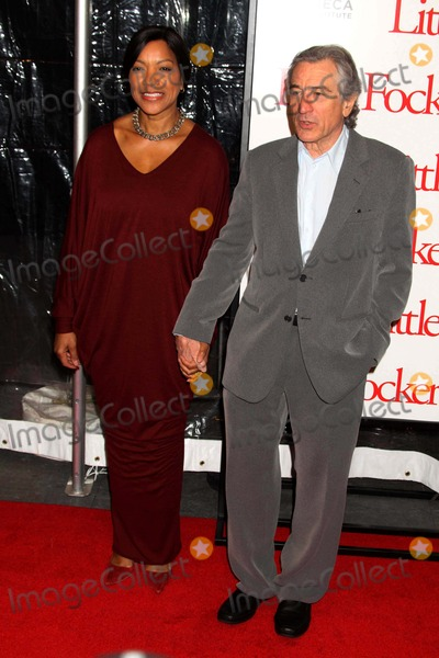 Grace Hightower Photo - Grace Hightower Robert Deniro at the World Premiere of Little Fockers at Ziegfeld Theatre NYC 12-15-2010 Photo by John BarrettGlobe Photos Inc2010