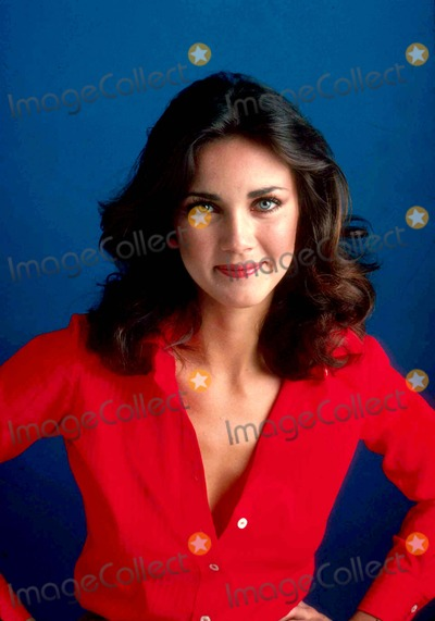 Lynda Carter Photos - Lynda Carter Photo by Jim Mccrary-ipol-Globe Photos Inc