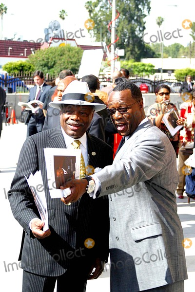 Johnnie Cochran,Berry Gordy Photo - Funeral of Johnnie L Cochran Jr
