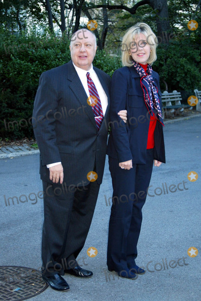 Roger Ailes Photo - New York Post Announces the Winners of the 2nd Annual Liberty Medals Honoring New Yorks Everyday Heroes at Gracie Mansion  NYC 10022003 Photo by Sonia Moskowitz  Globe Photosinc Roger Ailes_wife