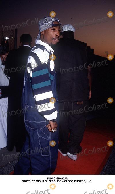 Tupac Shakur Photo - Tupac Shakur Photo by Michael FergusonGlobe Photos Inc