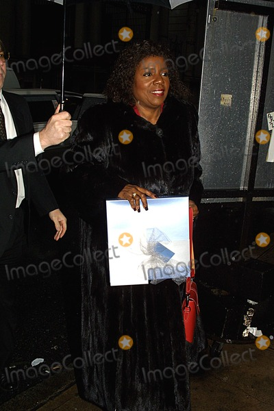 Liza Minnelli Photo - Liza Minnelli Bridal Shower at Denise Richs Apartment NYC 031302 Photo by John BarrettGlobe Photos Inc