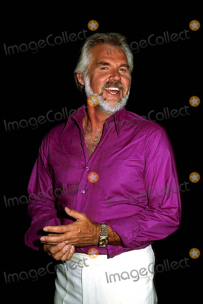 Kenny Rogers Photo - Kenny Rogers 1983 12963 Photo by Phil Roach-ipol-Globe Photos Inc