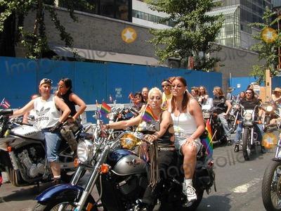 2002 30 gay june parade pride