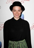 Renee-Felice Smith Photo 1