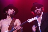Dave Navarro Photo - Dave Navarro and Leif Garrett at DKNY Jeans Presents Vanity Fair in Concert to Benefit Step-Up Womens Network Wiltern Theater Los Angeles CA 10-23-04