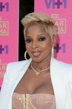 Mary J Blige Photo - Mary J Bligeat VH1s 2nd Annual Dear Mama An Event To Honor Moms Huntington Library Pasadena CA 05-06-17