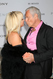 Alan Hamel Photo - Suzanne Somers Alan Hamelat the Passengers Premiere Village Theater Westwood CA 12-14-16