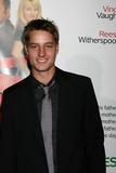 Justin Hartley Photo 1