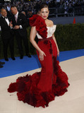 Ashley Graham Photo - Photo by XPXstarmaxinccomSTAR MAXCopyright 2017ALL RIGHTS RESERVEDTelephoneFax (212) 995-11965117Ashley Graham at the 2017 Costume Institute Gala - Rei KawakuboComme des Garcons Art Of The In-Between(Metropolitan Museum of Art NYC)