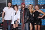Noah Cyrus Photo - Photo by KGC-11starmaxinccomSTAR MAX2015ALL RIGHTS RESERVEDTelephoneFax (212) 995-119683015Braison Cyrus Noah Cyrus Billy Ray Cyrus Tish Cyrus and Brandi Cyrus at the 2015 MTV Video Music Awards(Los Angeles CA)