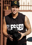 Rob- Kardashian Photo - Rob Kardashian leaves the Dancing With The Stars rehearsal studio in Hollywood CA 28th September 2011