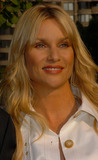 NICOLE SHERIDAN Photo - Actress Nicollette Sheridan arriving at the ABC 2006-2007