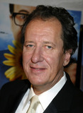 Geoffrey Rush Photo - NEW YORK NOVEMBER 19 2004    Geoffrey Rush at the New York premiere of The Life and Death of Peter Sellers
