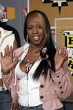 Remy Ma Photo - Rapper Remy Ma arrives to the second annual VH 1s Hip Hop Honors September 22 2005 in New York City