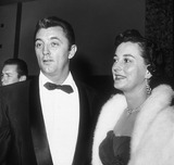 Robert Mitchum Photo 1