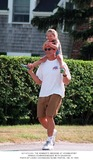 Arnold Schwartzenegger Photo 1