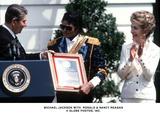 Ronald Reagan Photo - Michael Jackson with Ronald  Nancy Reagan Globe Photos Inc