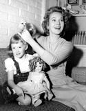 Virginia Mayo Photo - Virginia Mayo with Her 4-yr Old Daughtermary Catherine Oshea 1-1958 Photo Bynat Dallinger-Globe Photos Inc