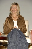 Olivia Newton-John Photo 1