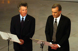 Gene Gnocchi Photo - 03-03-2004 Sanremo Spettacolo 54 Festival Della Canzone Italiana Nella Foto Dustin Hoffman E Gene Gnocchi Photo by Frezza-lafatalapresseGlobe Photos Inc