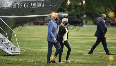 Photo - President Biden and Dr Biden return to the White House after weekend in Delaware