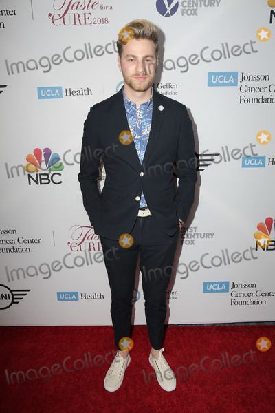 Photo - Taste for a Cure - Arrivals