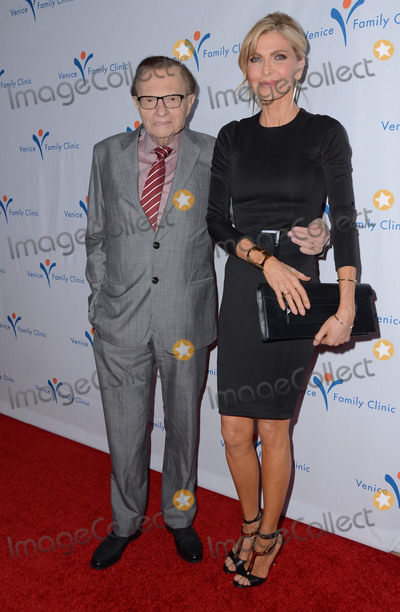 Larry King Photo - 07 March 2016 - Beverly Hills  California - Larry King Arrivals for the Venice Family Clinics Silver Circle Gala honoring Brett Ratner held at The Beverly Hills Hotel Photo Credit Birdie ThompsonAdMedia