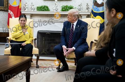 Photos From President Trump Meets Gloria Gullen