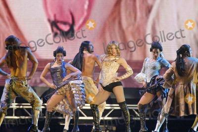Photo - Madonna Reinvention Tour - 2004
